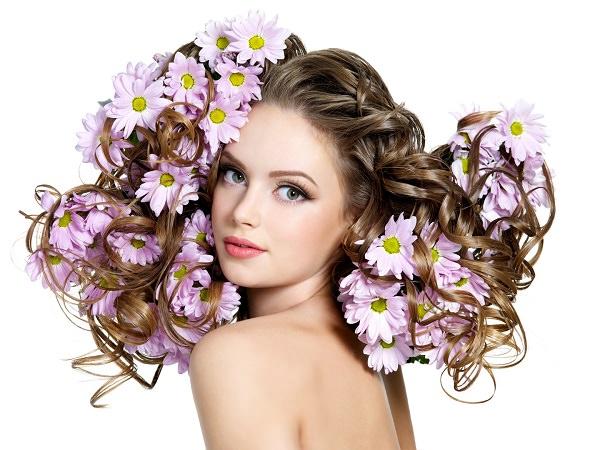 Здоровые и пышные волосы после использования масок с желтками