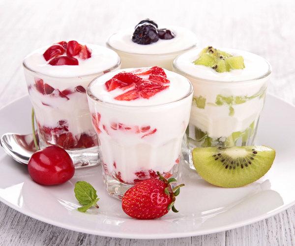 Йогурт с добавлением фруктов