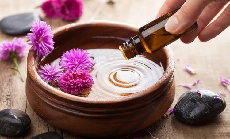 Приготовление лечебных масок с эфирными маслами