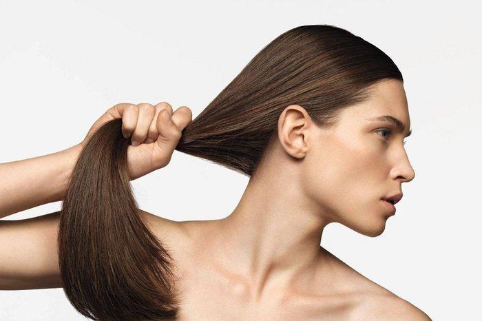 Здоровые и сильные волосы у женщины