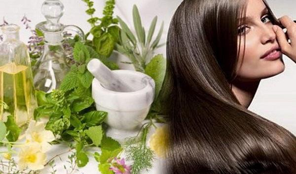 Во время лактации лучше пользоваться натуральными средствами ухода за волосами