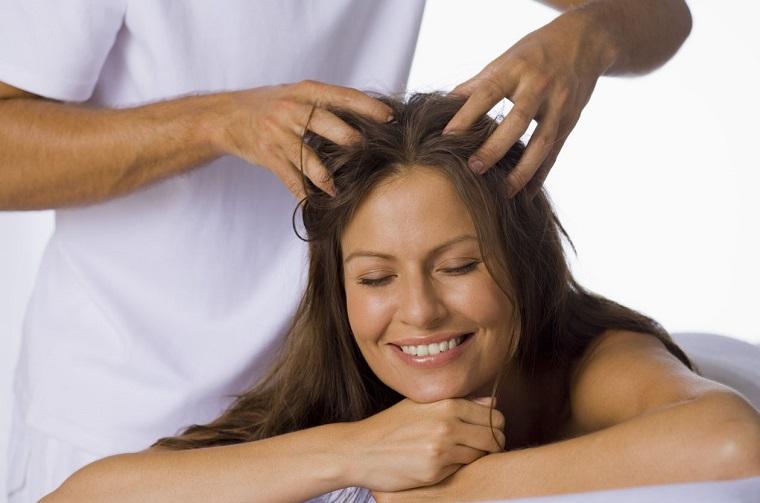 Профессионалный массаж волос
