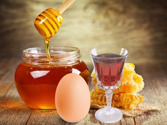 Делаем маску с медом и коньяком