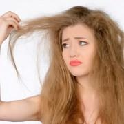 Поврежденные волосы будут быстрее выпадать